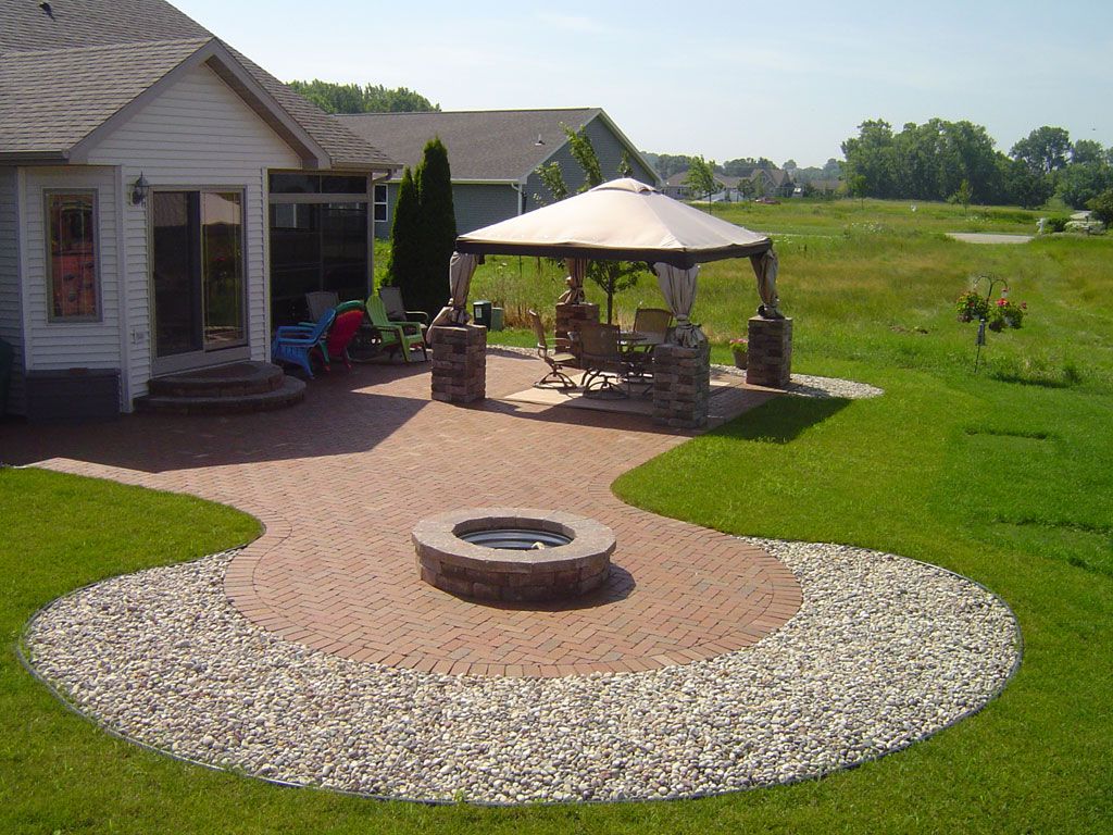 Outdoor living spaces gallery zillges spa landscape - Outdoor living spaces with fireplace ...