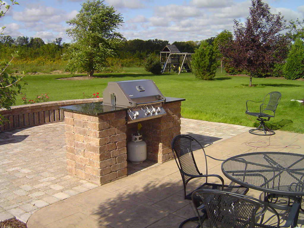 Outdoor living spaces gallery zillges spa landscape for Outdoor landscaping